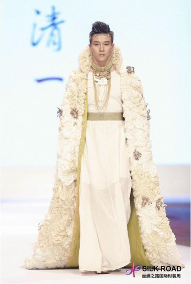 超模云集打造时尚盛宴,丝绸之路国际时装周重庆华丽启幕!