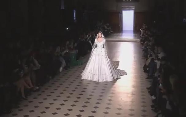 转给待嫁的妹纸们~如何穿婚纱让自己更美