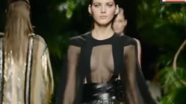 这条裙子为什么这么火?因为谁穿谁好看!