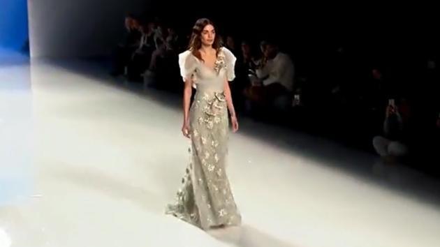 巴黎顶级服装秀, 可人薄纱长裙, 如梦如幻
