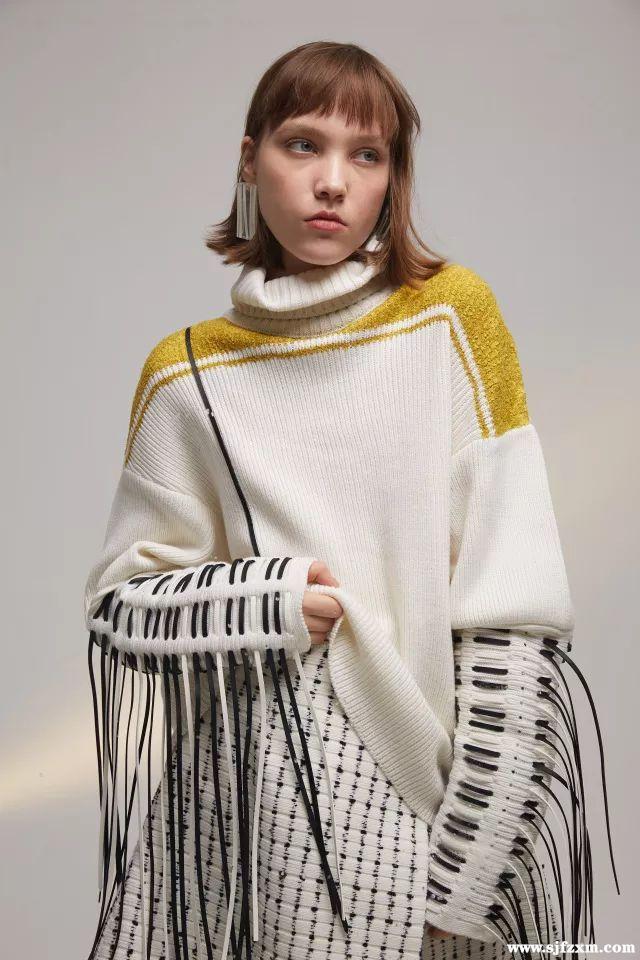 > 正文     针织服装中的线缝设计,由于它具有独特的装饰性以及实用性
