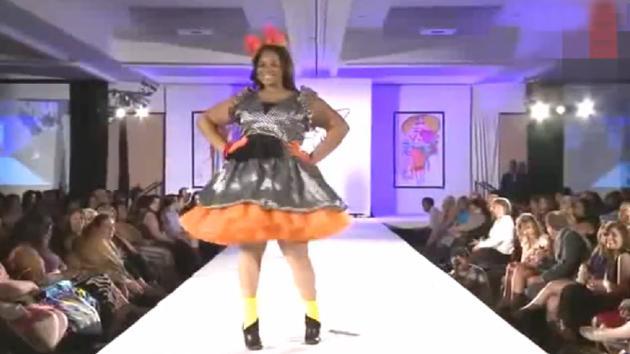 大码女装服装秀, 胖模特成为秀场一道风景线!