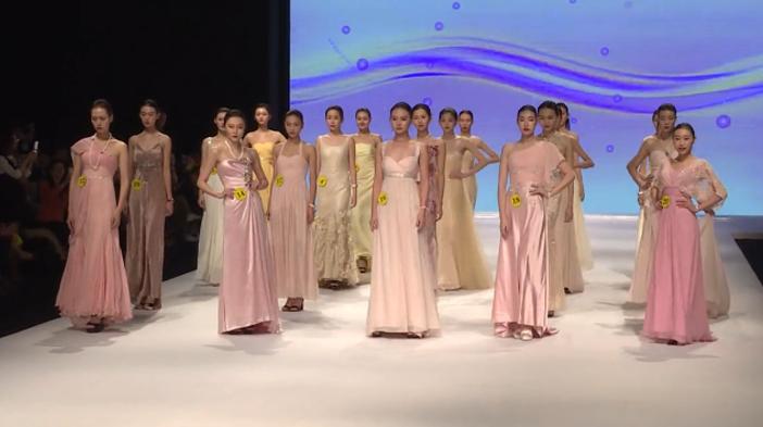 模特们都和仙女一样,速来看香港服装学院的礼服秀