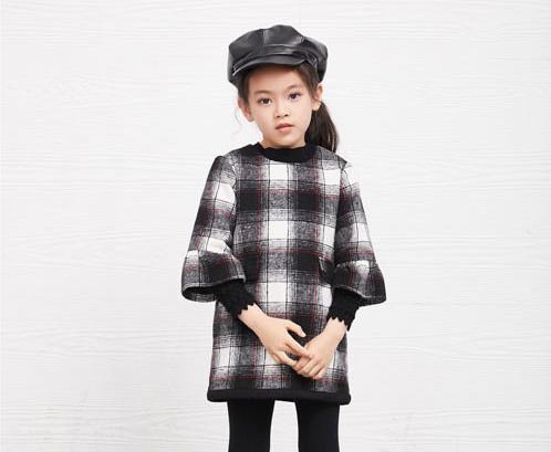 玛玛米雅童装  时尚气质女