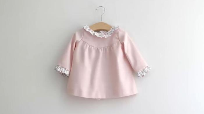 DIY碎花荷叶边的粉红色小上衣,你也能做时尚设计师