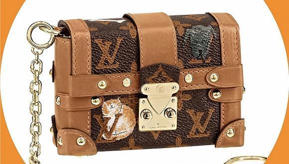 奢侈品包包也可以很萌  喵星和汪星人爬上LV包包
