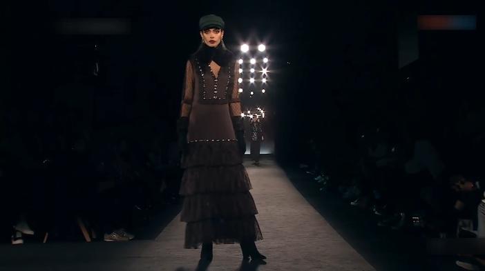 Lola Casademunt带你看下一季秋冬时尚