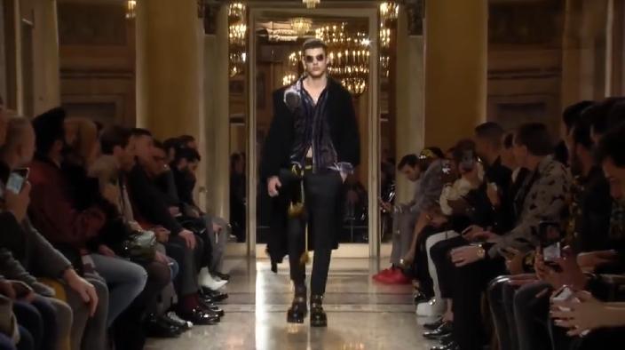 Versace依然魅惑的八十年代摇滚风