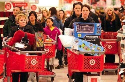"""美国""""黑五"""":销售额远不及""""双十一"""",消费季将持续至年末"""