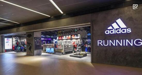 阿迪达斯和美国知名体育用品零售商Foot Locker合作