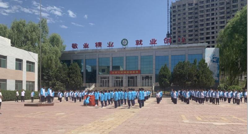 李爱萍企业家走进职业学校传承技艺指导就业