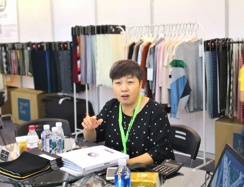 数十年专注一根纱线——浩业在第二十一届江?#23637;?#38469;服装节展示时尚创意