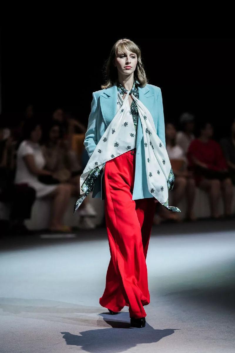 羅蘭·穆雷驚艷之旅時尚啟程