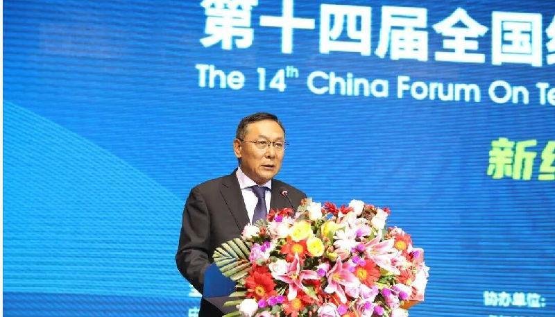 中国纺织工业联合会副会长徐迎新:推动虎门德赢国际服饰产业向时尚产业转型升级